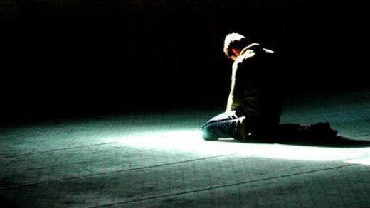 7 Cara Agar Sholat Khusyu dan Tenang dalam Beribadah